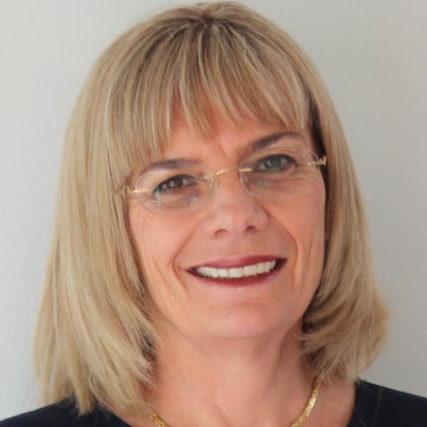 Dr Kerrie Ikin