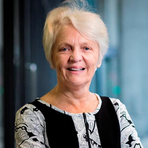 Distinguished Professor Viviane Robinson